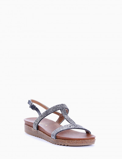 Low heel sandals black leather