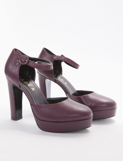 Décolleté violet leather
