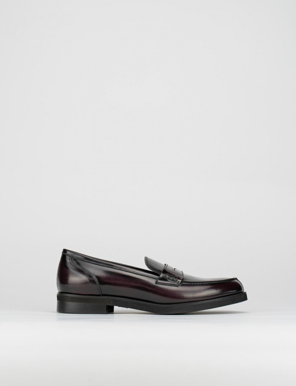 Loafers heel 2 cm bordeaux leather