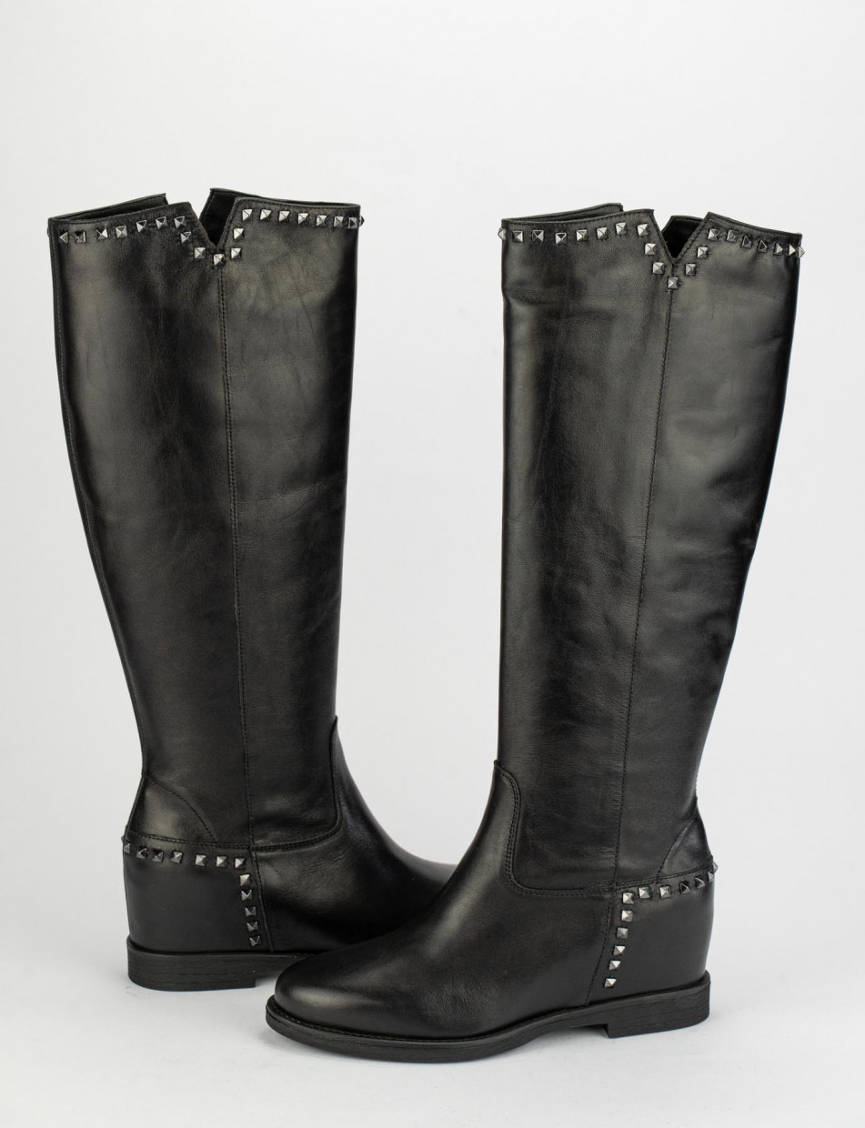 Low heel boots heel 3 cm black leather