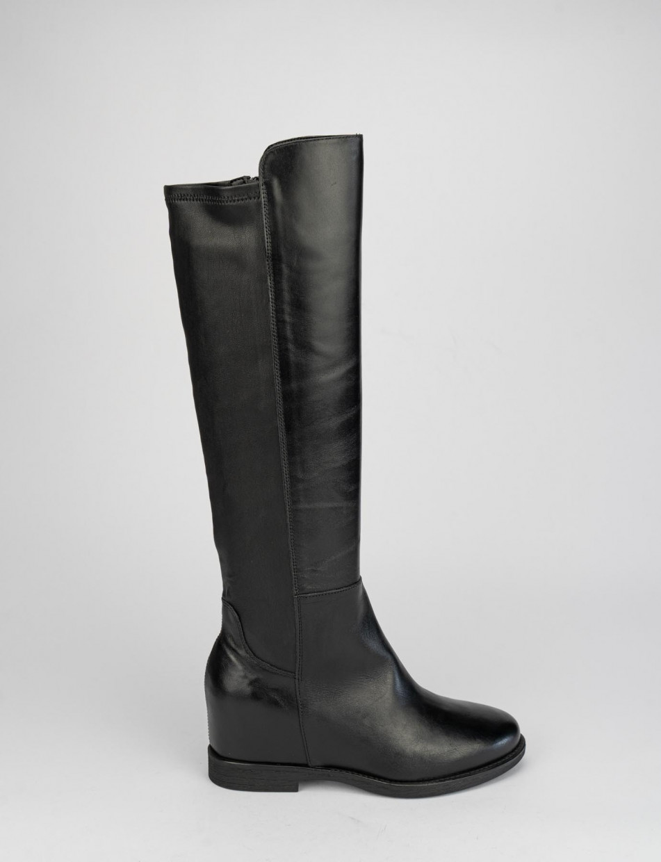 Low heel boots heel 2 cm black leather