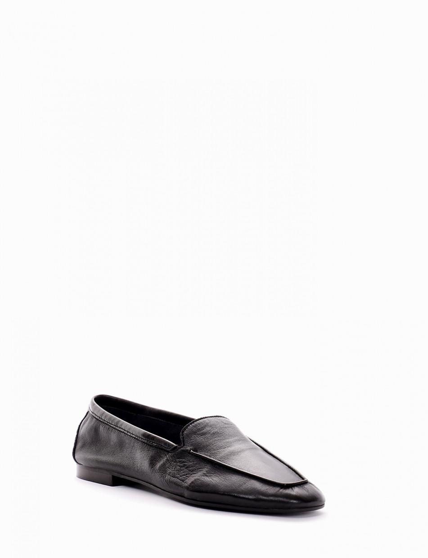 Loafers heel 1 cm black leather