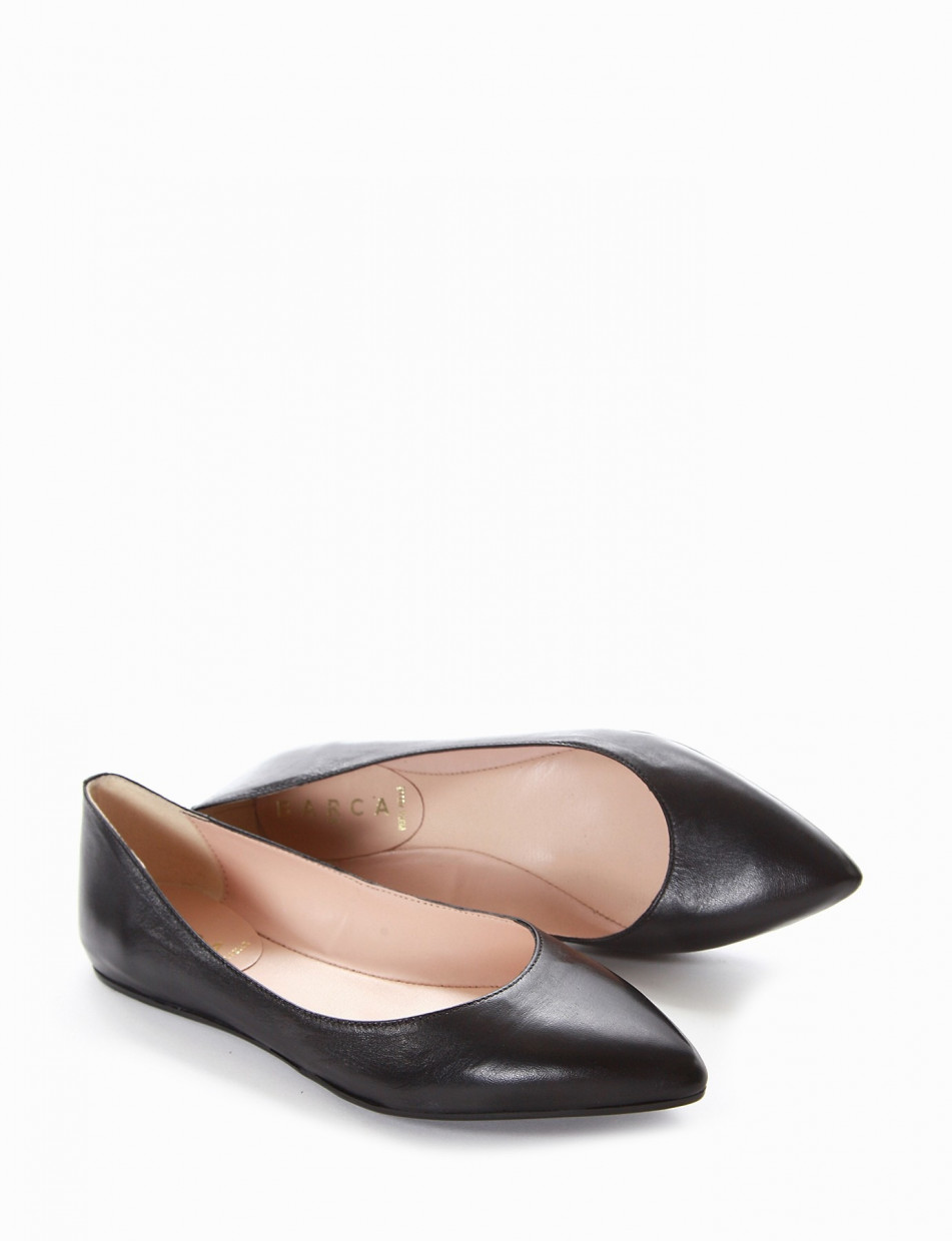 Flat shoes black leather
