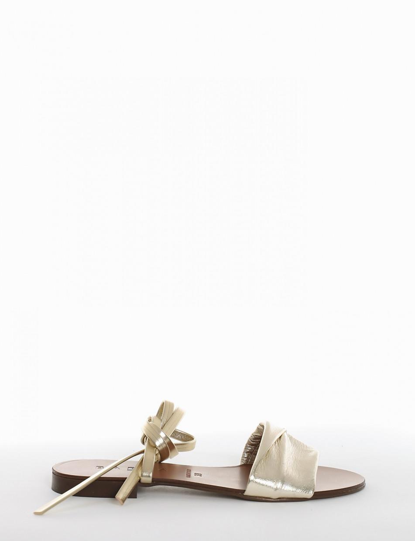 Low heel sandals heel 1 cm platinum leather