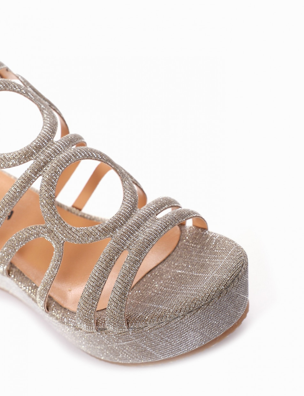 Wedge heels heel 8 cm gold leather
