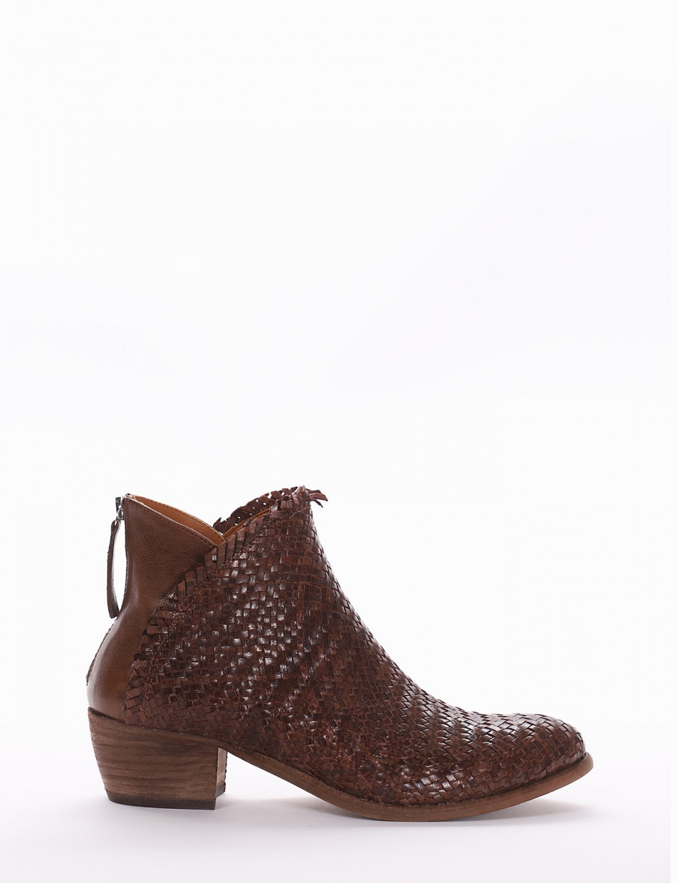 Low heel ankle boots heel 4 cm brown leather