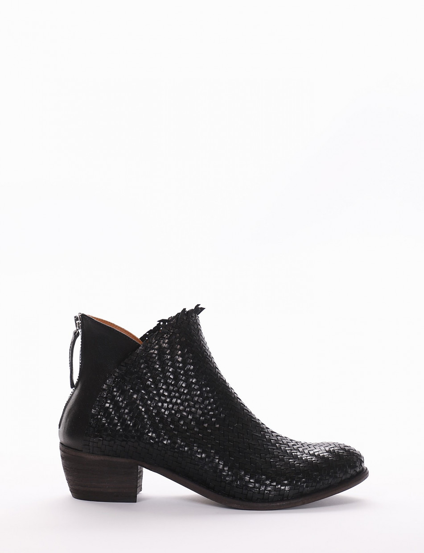 Low heel ankle boots heel 4 cm black leather