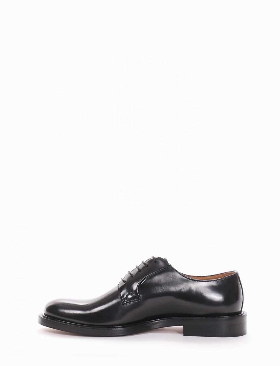 Lace-up shoes black spazzolato