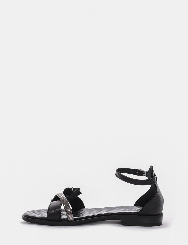 Low heel sandals heel 1 cm black laminated