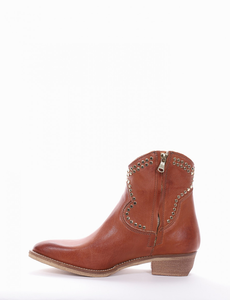 Low heel ankle boots heel 3 cm leather