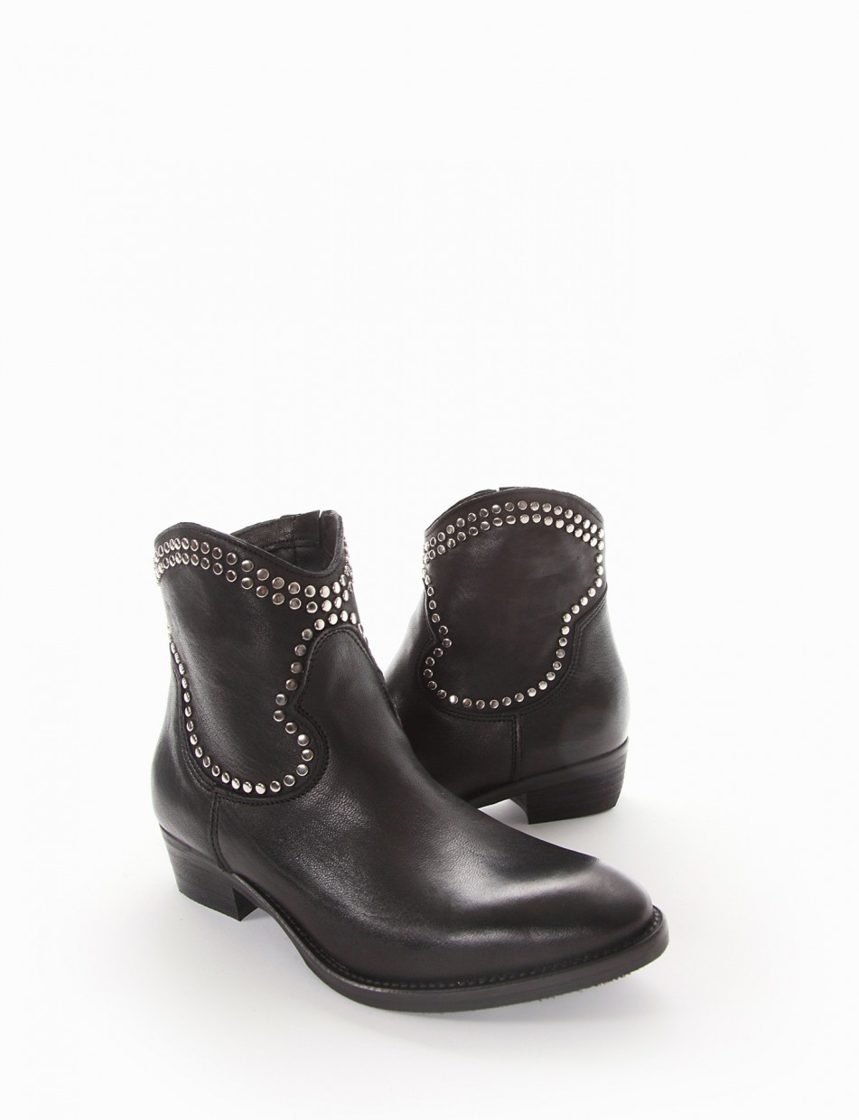 Low heel ankle boots heel 3 cm black leather