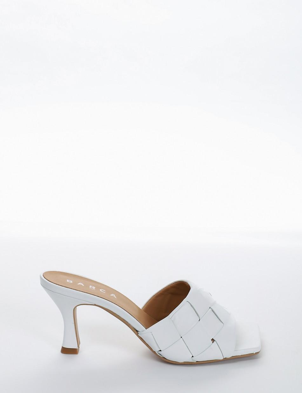 Slippers heel 5 cm white leather