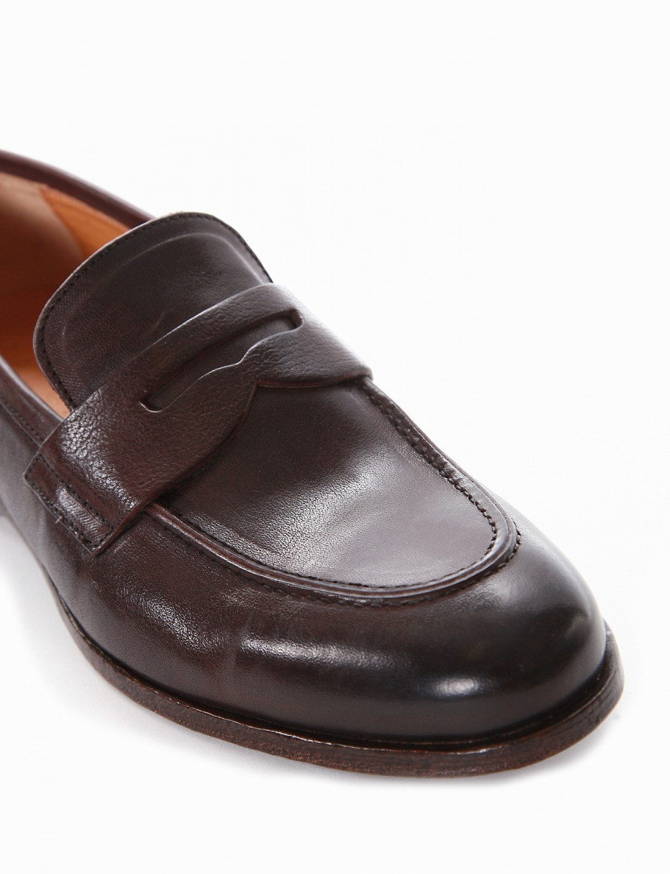Loafers dark brown leather
