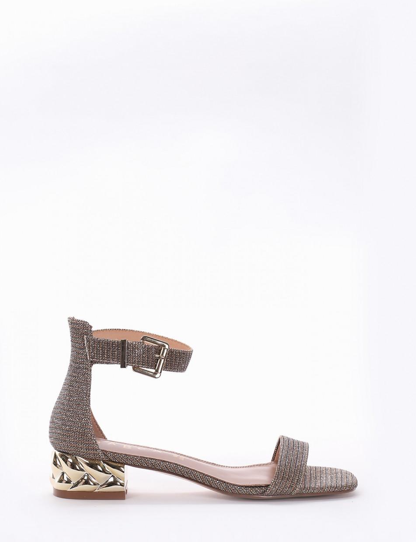 Low heel sandals heel 3 cm pink laminated