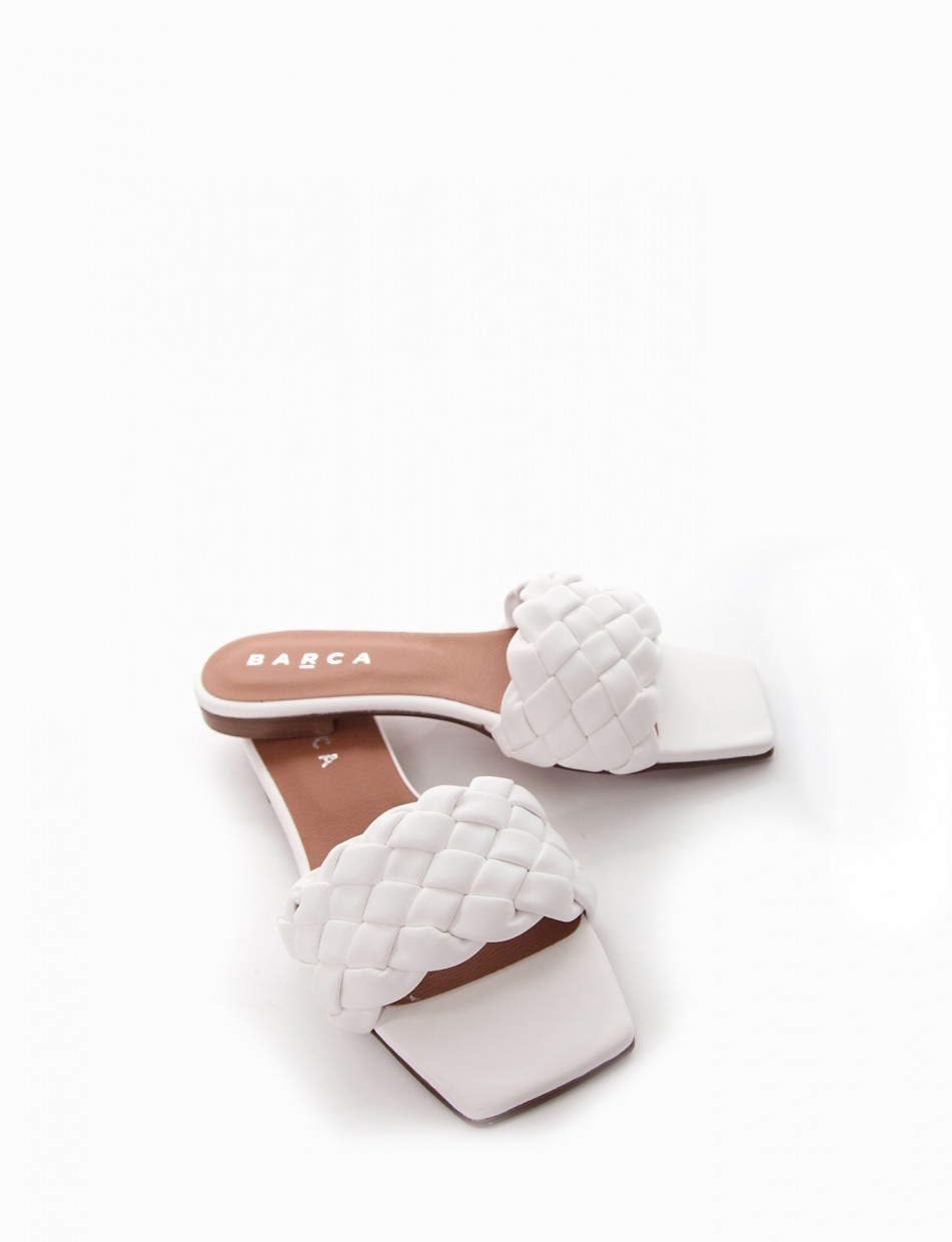Slippers heel 1 cm white leather