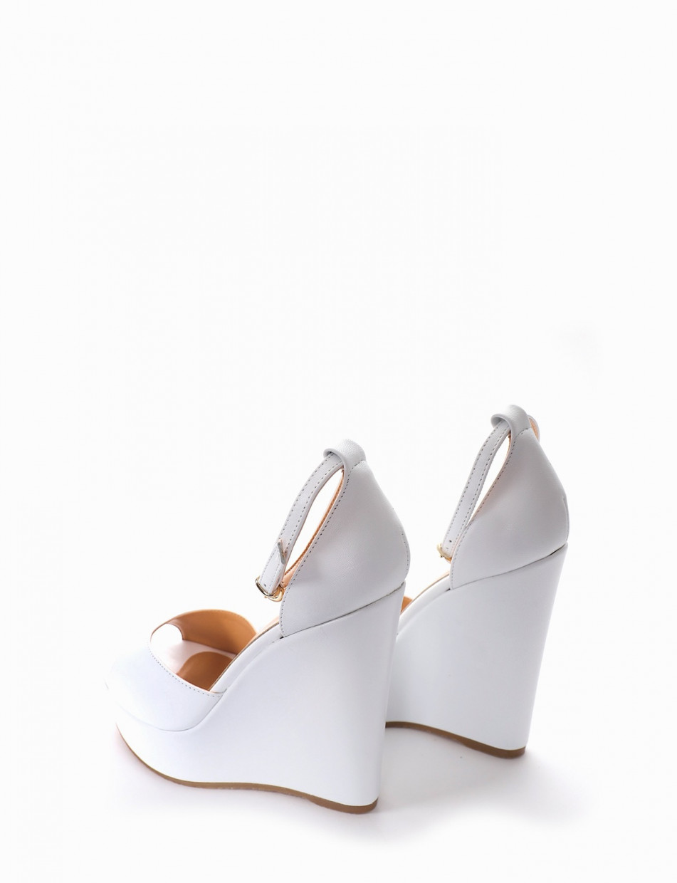 Wedge heels heel 3 cm white leather
