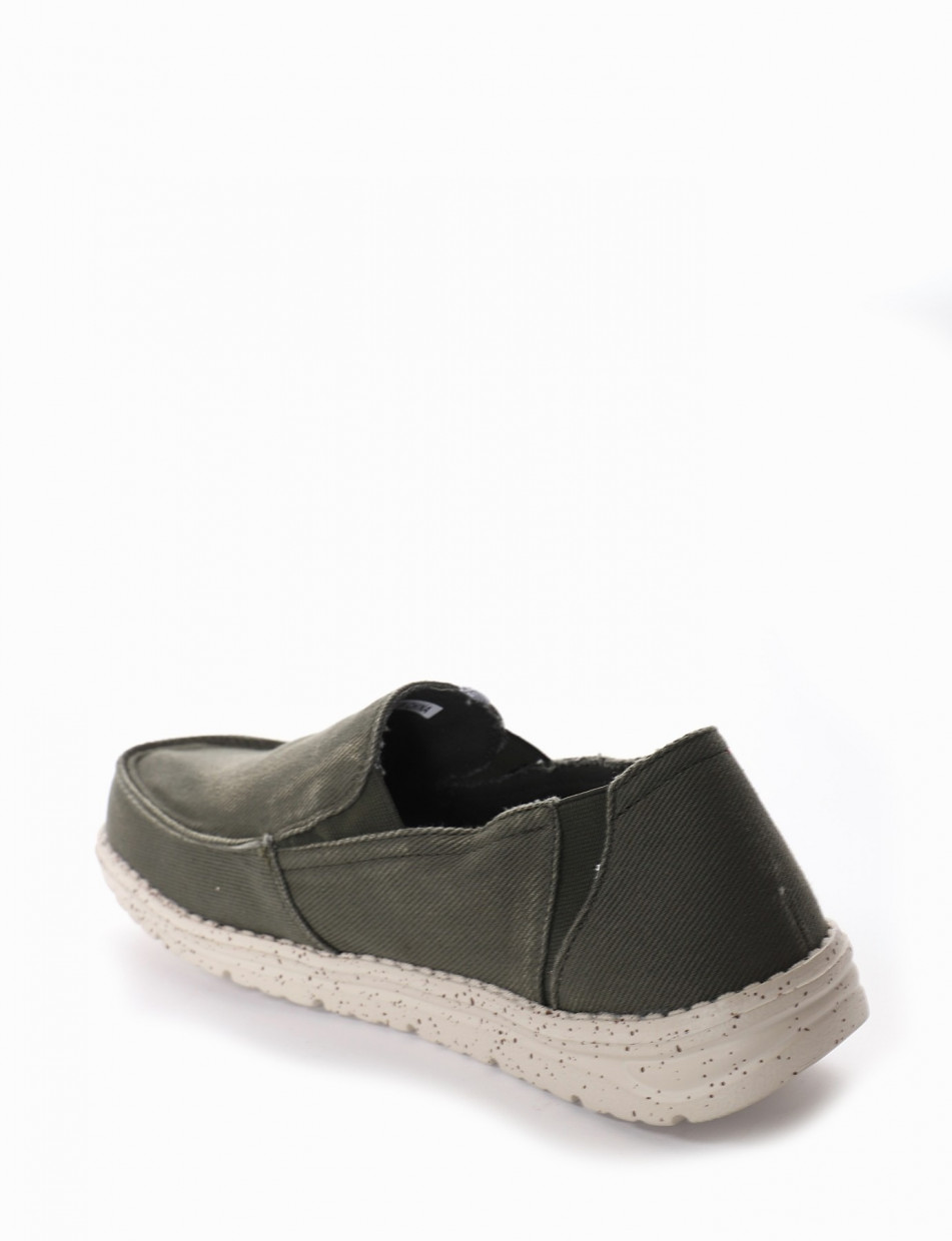 Sneakers green canvas