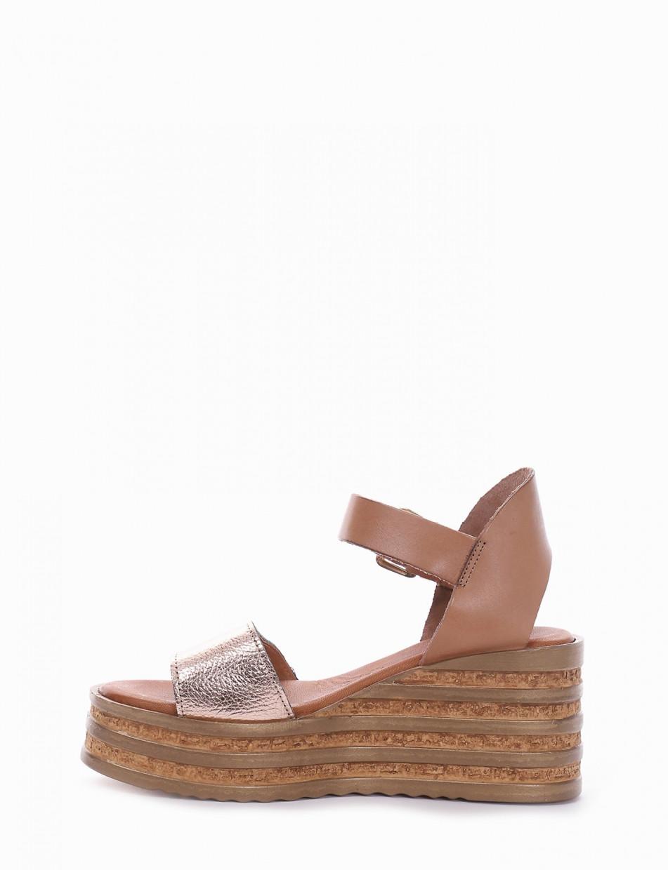Wedge heels heel 5 cm bronze leather