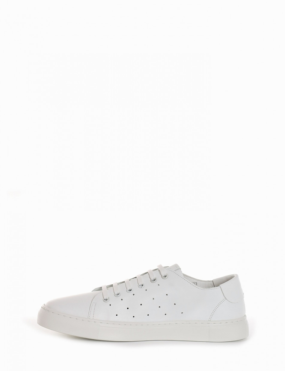 Sneakers white leather