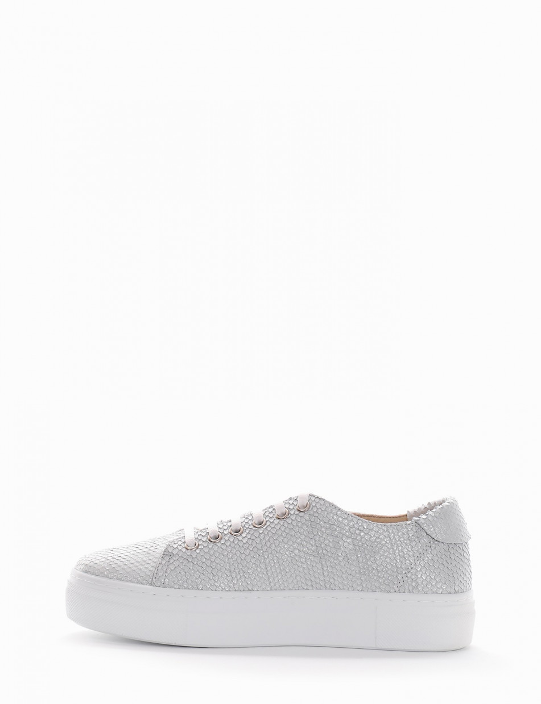 Sneakers white python