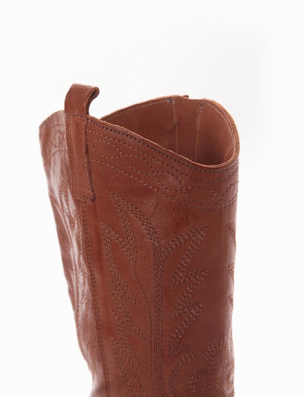 Low heel boots heel 2 cm brown leather