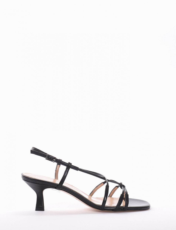Low heel sandals heel 5 cm black leather