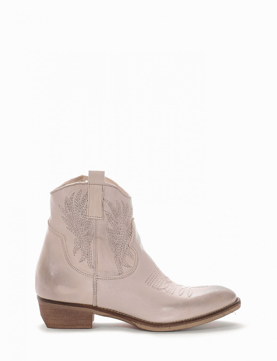 Low heel ankle boots heel 3 cm white leather