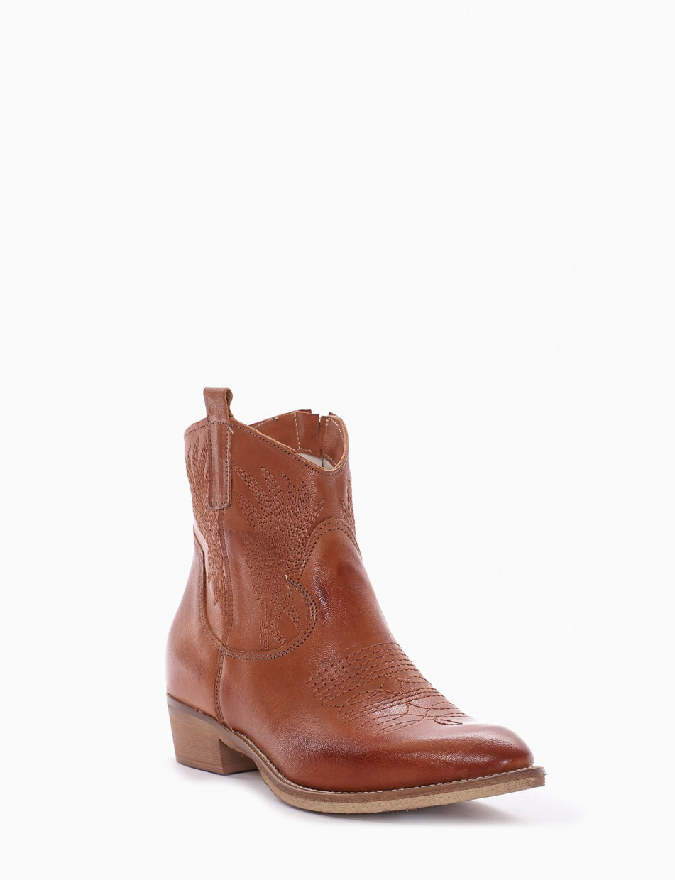 Low heel ankle boots heel 3 cm brown leather