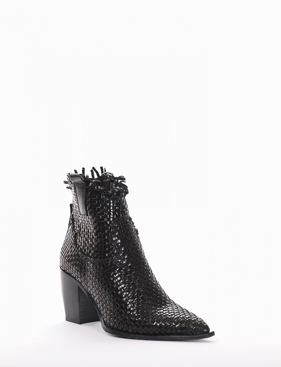 High heel ankle boots heel 7 cm black leather