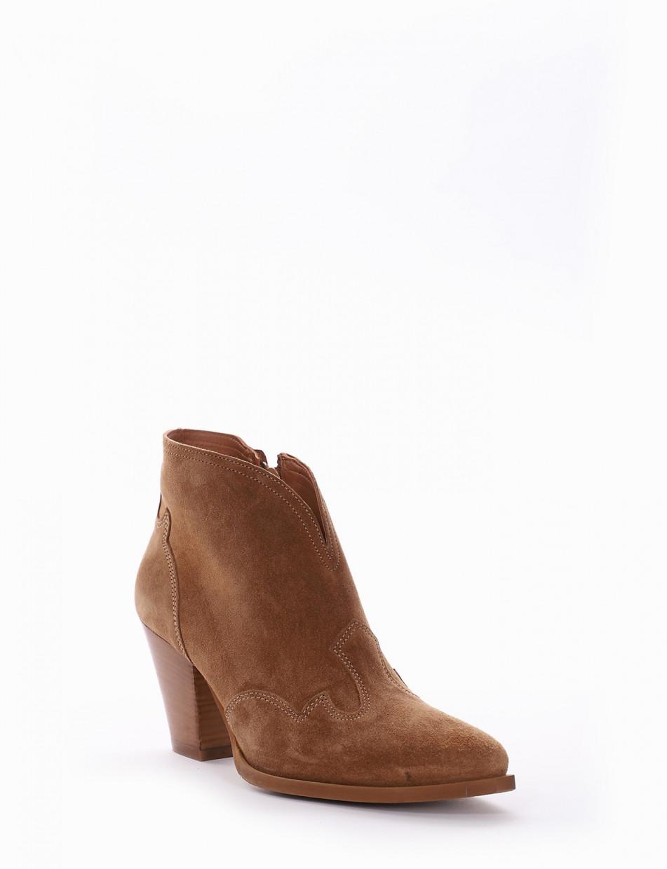 High heel ankle boots heel 8 cm brown chamois