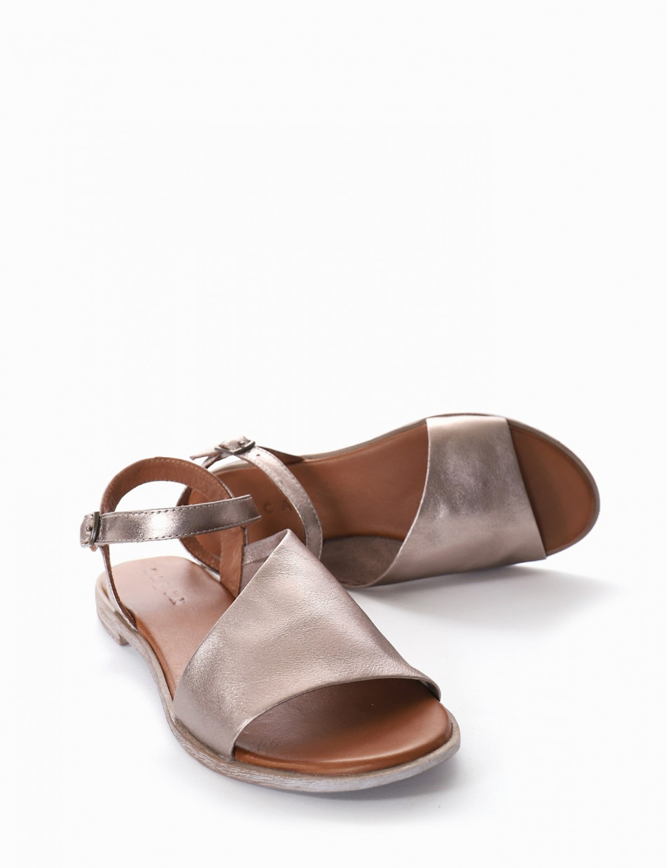 Sandalo tacco 1 cm oro