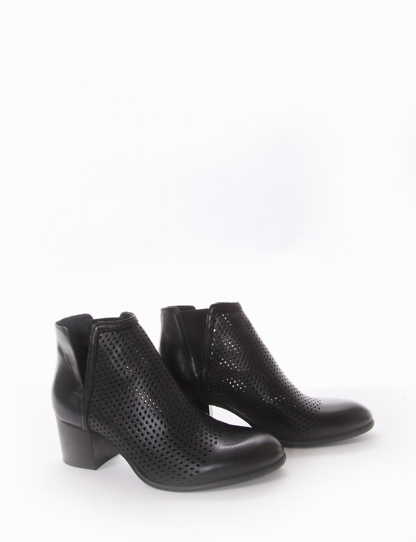 High heel ankle boots heel 5 cm black leather