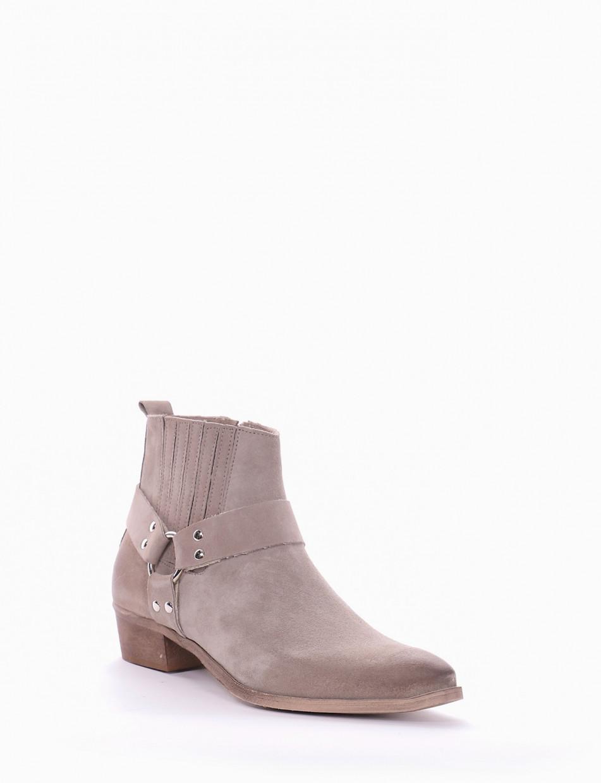 Low heel ankle boots heel 3 cm beige chamois