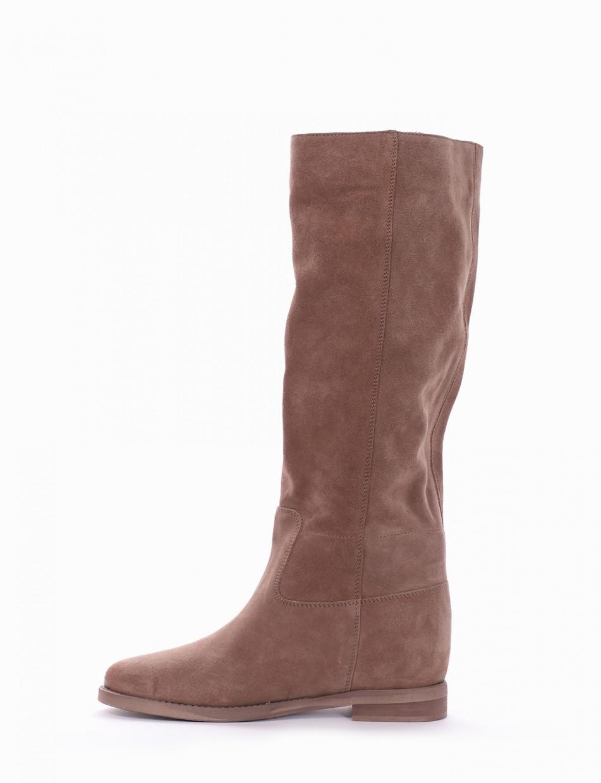 Low heel boots heel 2 cm beige chamois