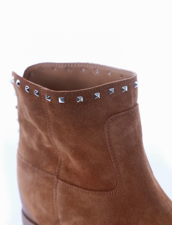Low heel ankle boots heel 2 cm brown chamois