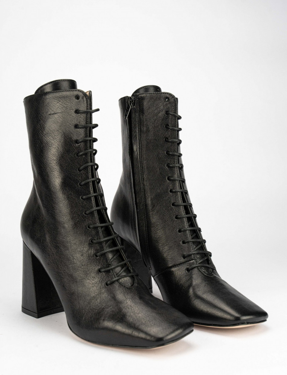 High heel ankle boots heel 9 cm black leather