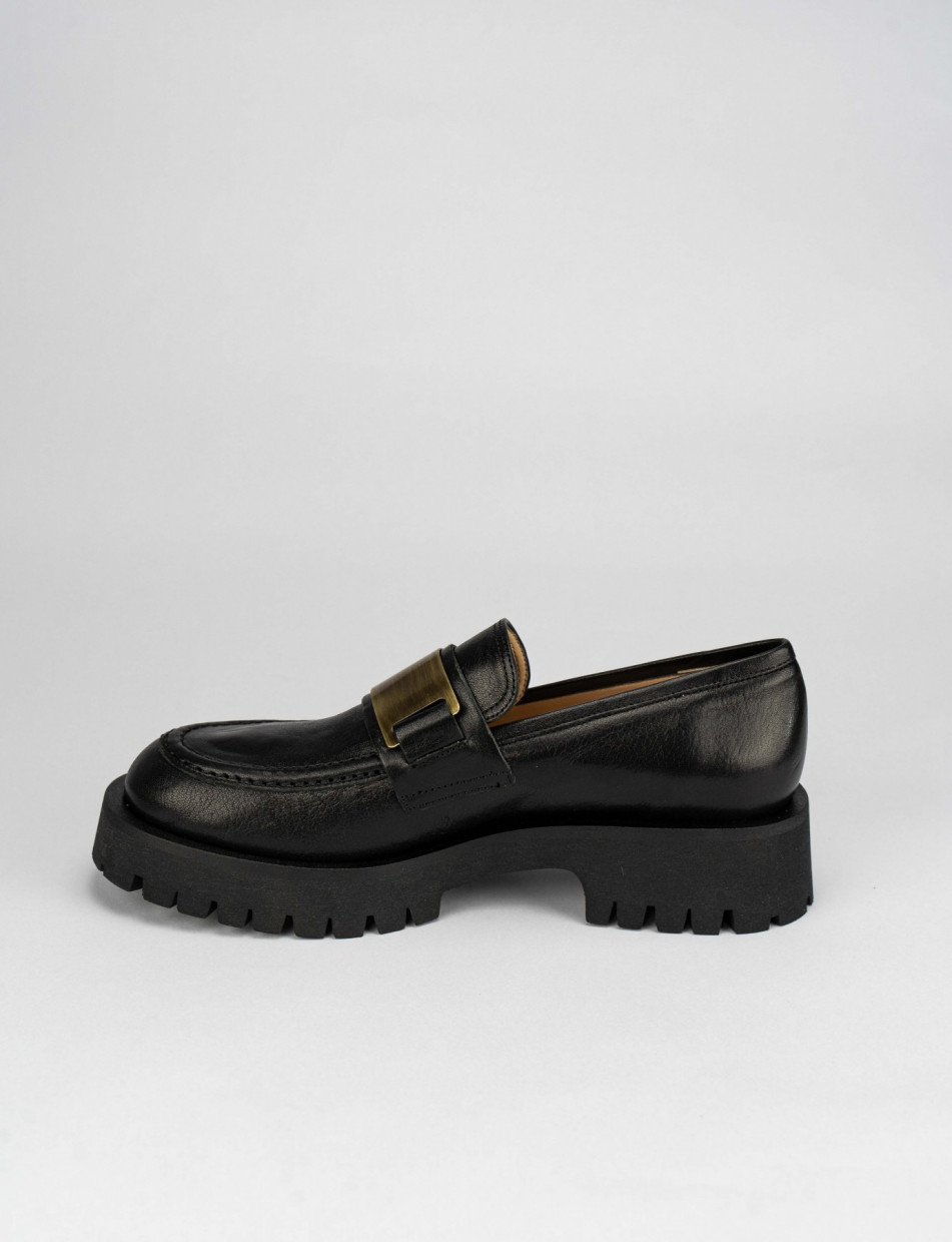 Loafers heel 2 cm black leather