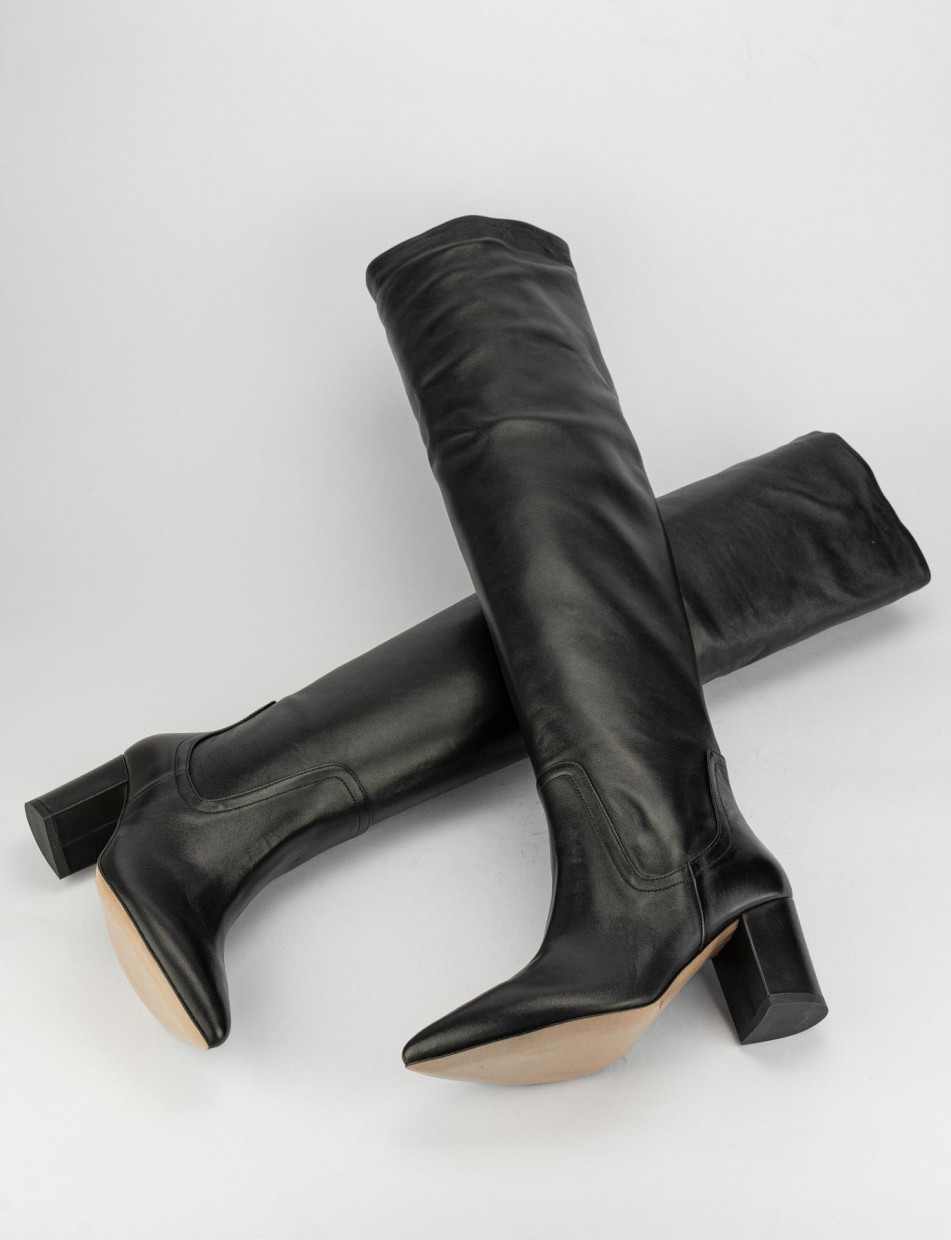 High heel boots heel 7 cm black leather