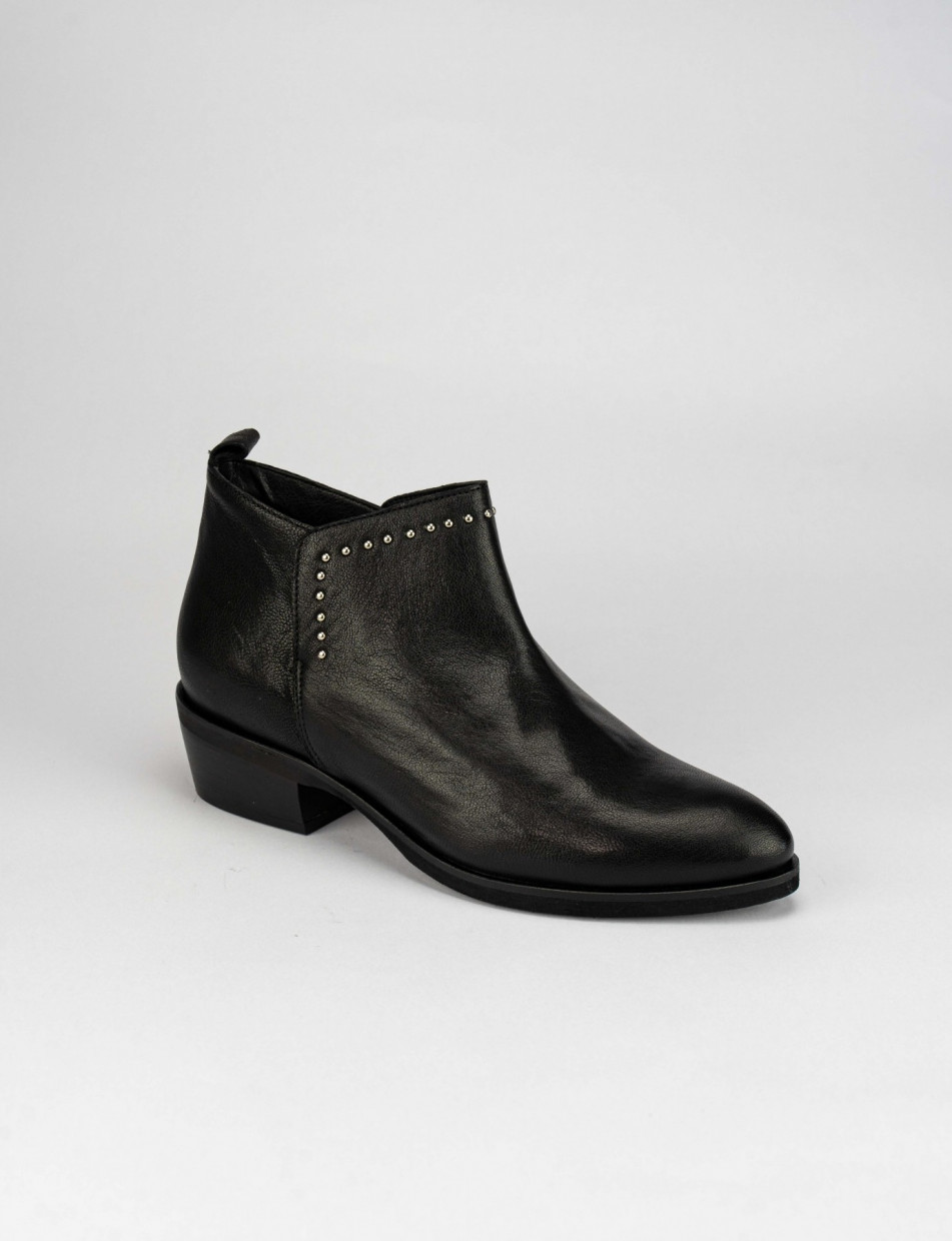 Low heel ankle boots heel 5 cm black leather