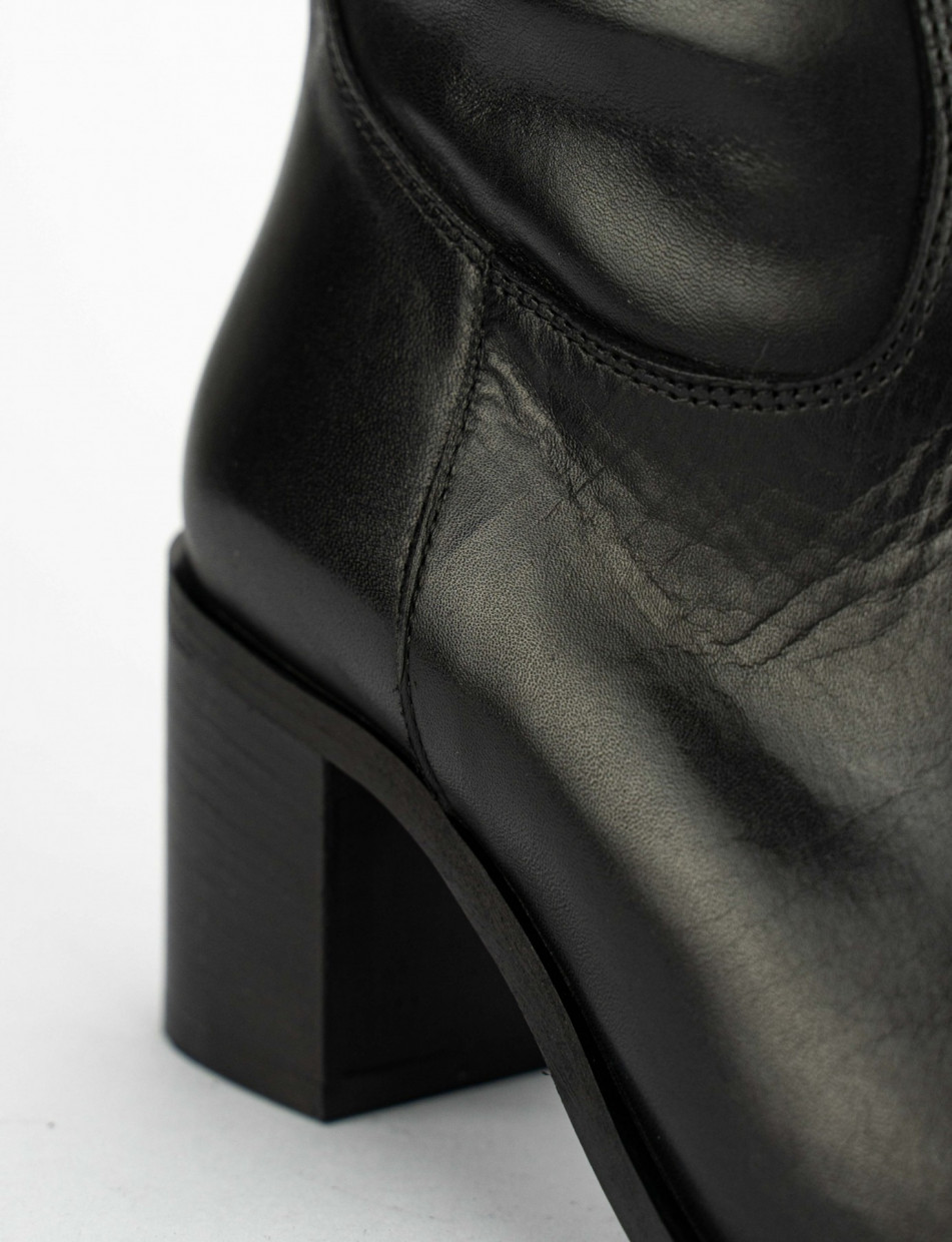 High heel boots heel 6 cm black leather