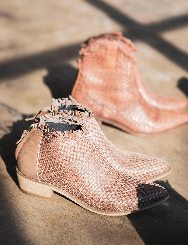 Low heel ankle boots heel 3 cm beige leather