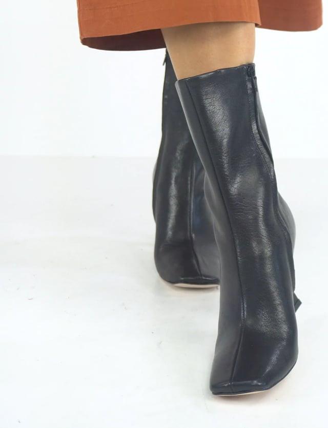 High heel ankle boots heel 9 cm black leather