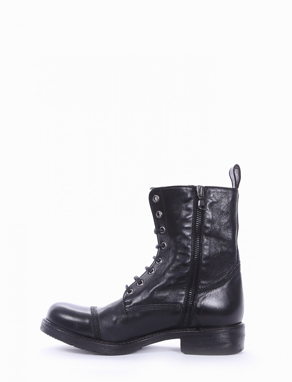 Combat boots heel 2 cm black leather