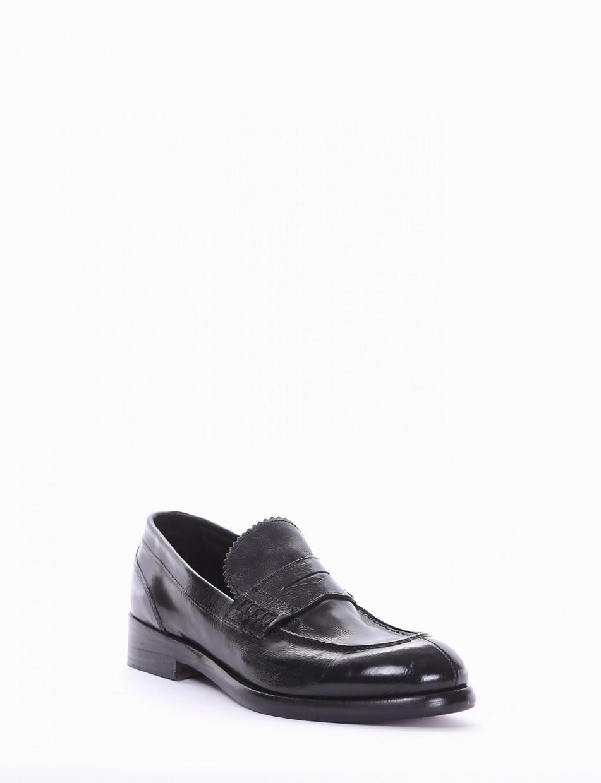 Loafers heel 2 cm black leather