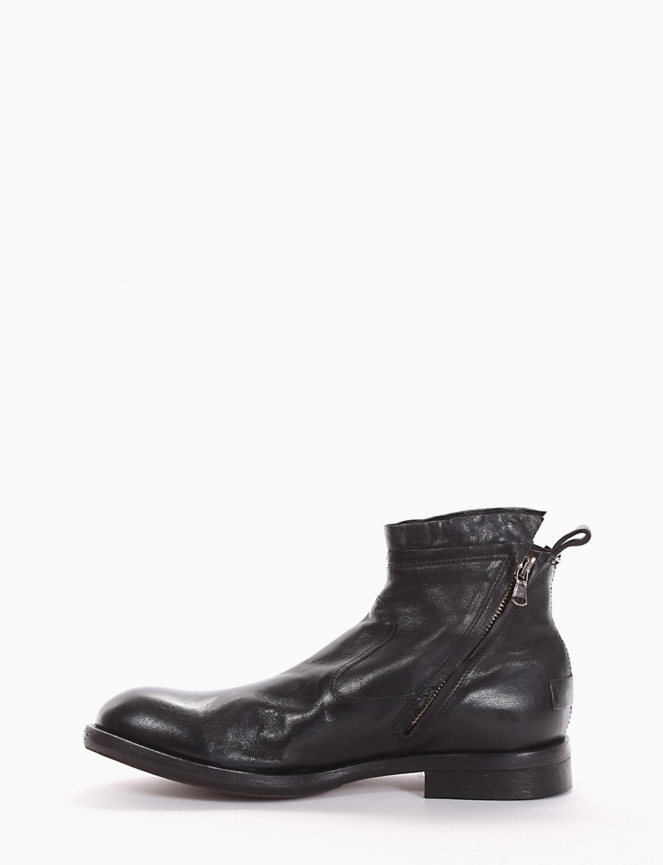 Ankle boots heel 2 cm black leather