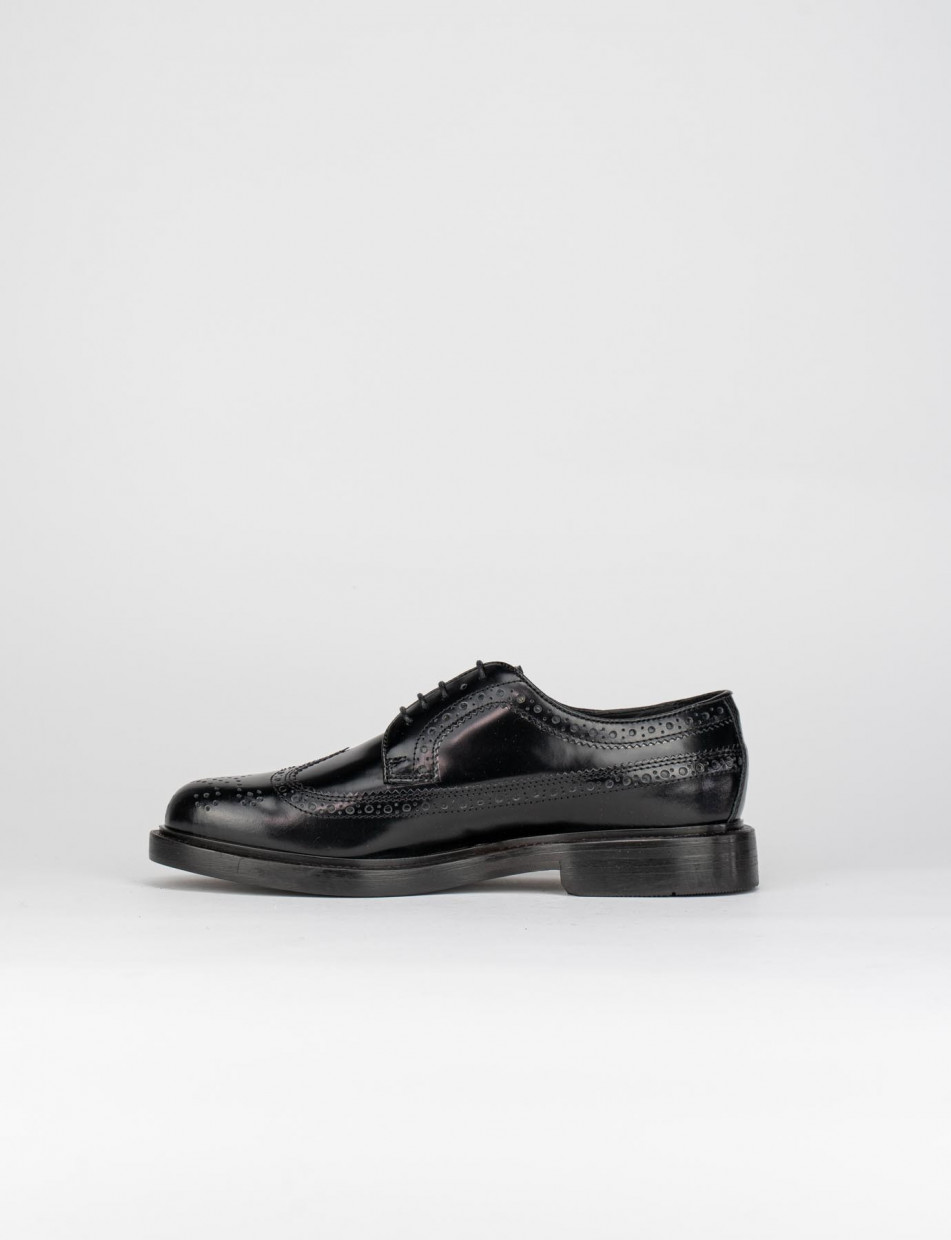 Lace-up shoes black leather