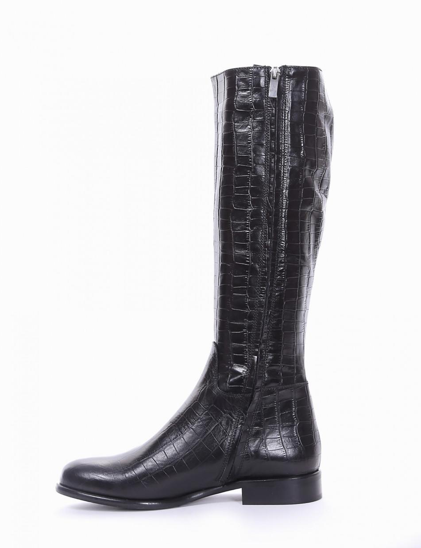 Low heel boots heel 2 cm black coconut