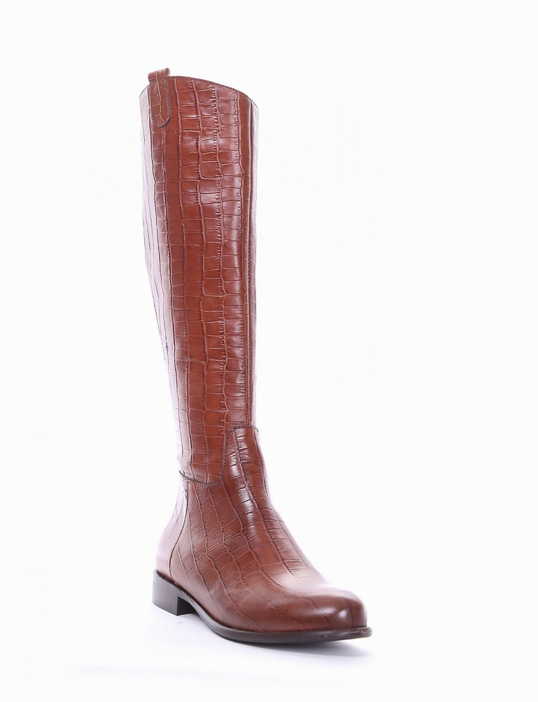 Low heel boots heel 2 cm brown coconut
