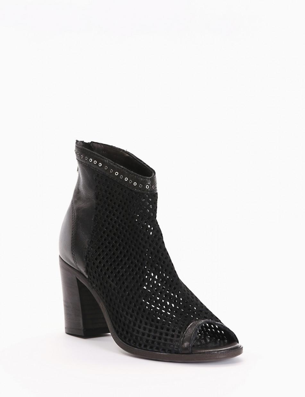 High heel sandals heel 5 cm black leather