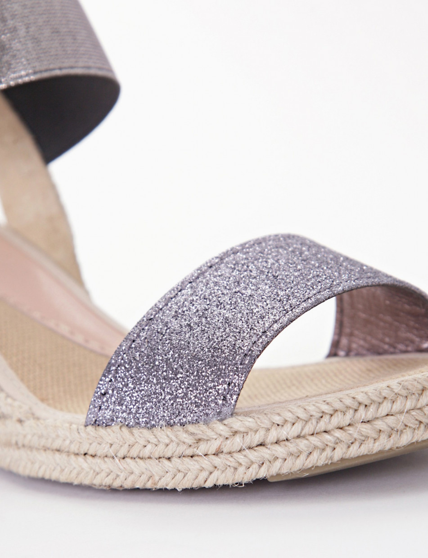 Wedge heels beige glitter